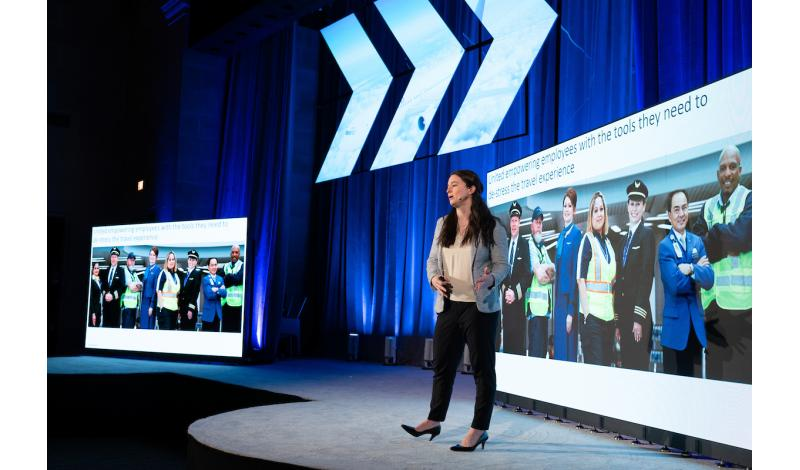 Molly Hennessy, Customer Recovery and Social Media Technology, United Airlines